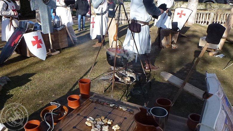 Campamento-templarios-con-caldereta_-Oria-Dauria